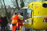 Csecsemőt mentettek egy mentőhelikopterrel a Penny parkolóba