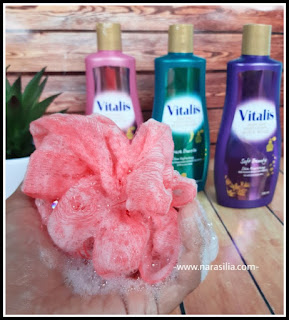 Tips Mandi Kilat Tetapi Tetap Wangi Seperti Pakai Parfum Dengan Vitalis Body Wash
