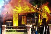 Rumah Warga Pongkalaero Bombana Hangus Terbakar, Polisi Sebut Sumber Api dari Dapur