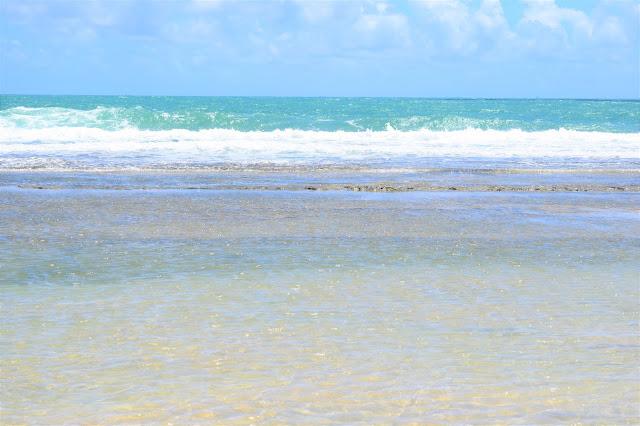 agua do mar esverdeado