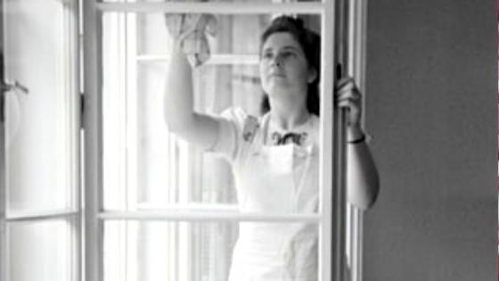 Tentang Pembokat Yang Doyan Bergaya Dengan Pakaian Majikan