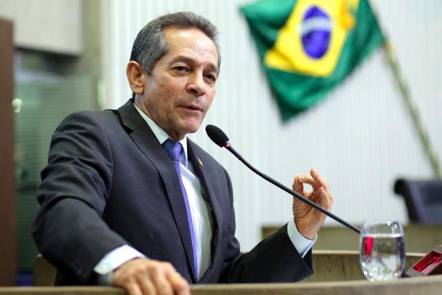 Deputado estadual, Heitor Férrer, critica situação da saúde pública do Estado