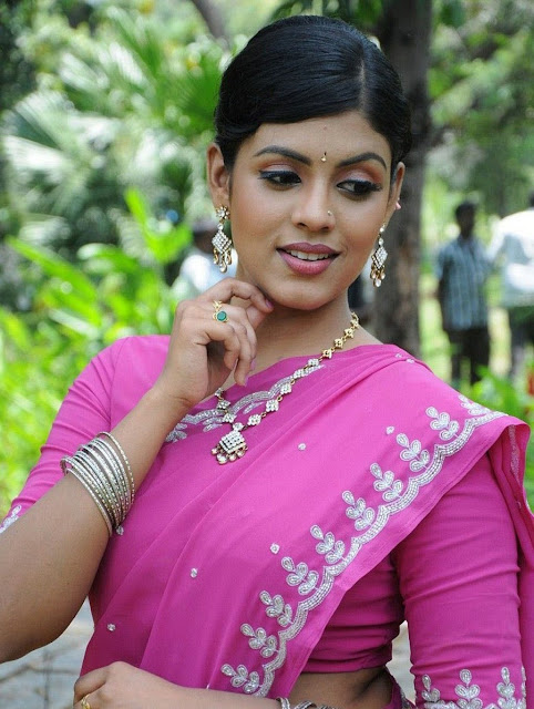 South Indian Actress Iniya Saree Pics In Rendavathu Padam -8571
