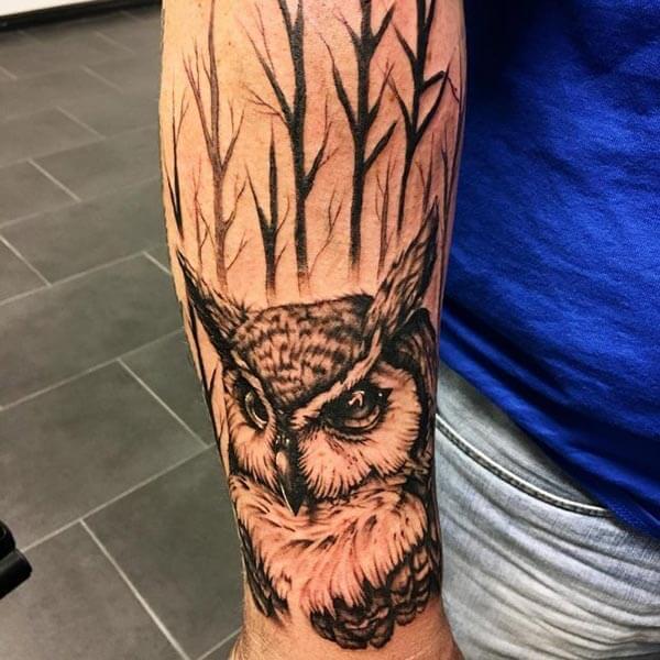ormanda baykuş dövme modeli