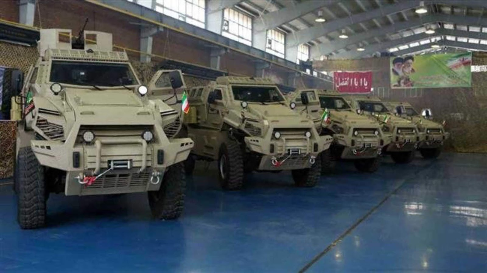 Iran Meluncurkan Kendaraan Militer Tahan Ranjau