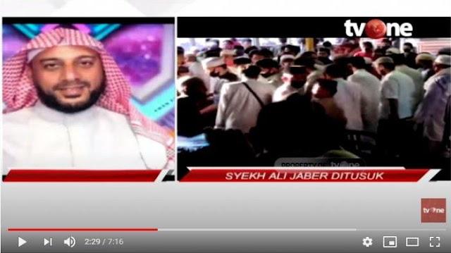 Syekh Ali Jaber Selamatkan Penusuknya dari Amukan Massa : Jujur Saya Kasihan
