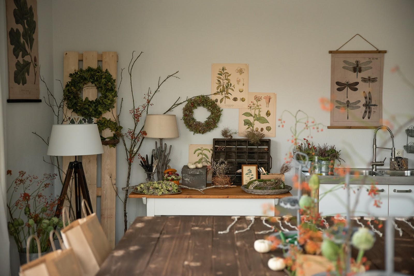 Kreativ Arbeiten in den Workshop Räumen: Naturdeko natürlich dekorieren und arbeiten