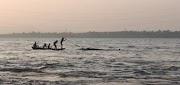 भाजपा की योगी सरकार ने बाढ़ में अपनी जानपर खेलकर दूसरों की जान बचाने वालों को अभी तक दी मजदूरी