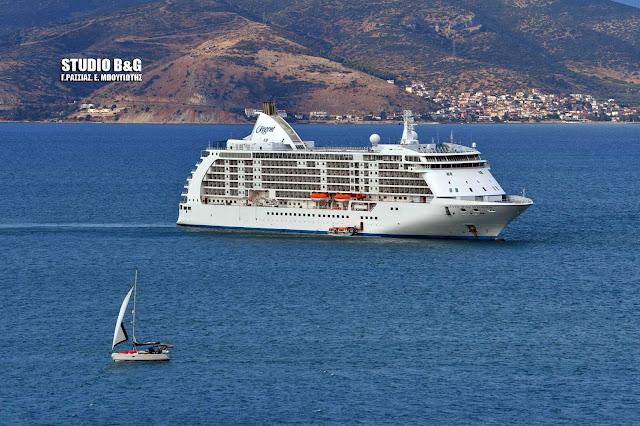 Seven Seas Voyager: Ένα από τα ομορφότερα κρουαζιεροπλοια στο κόσμο βρίσκεται στο Ναύπλιο (βίντεο)