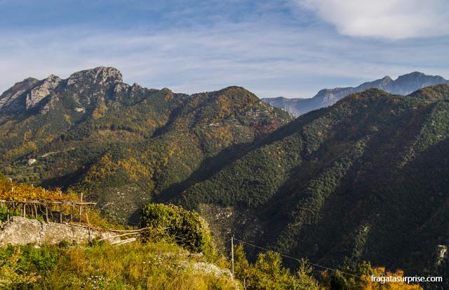 Montanhas Lattari, na Costa Amalfitana, Itália