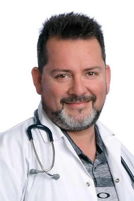 Devenir médecin… grâce aux échecs. Alain Authier, omnipraticien et fervent joueur d'échecs
