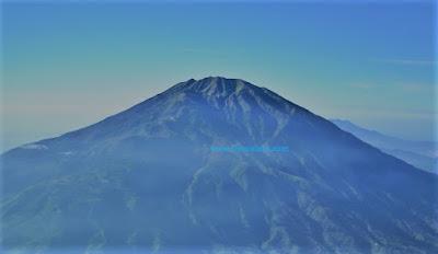 gunung merbabu tertinggi di Indonesia