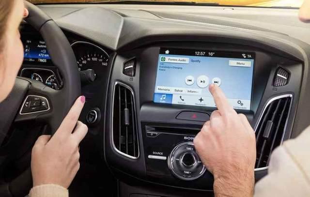 Ford Focus 2017, bem mais conectado