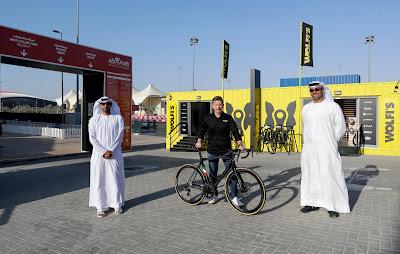 اتفاقية شراكة تجمع شركة أبوظبي لإدارة رياضة السيارات مع شركة وولفي للدراجات الهوائية