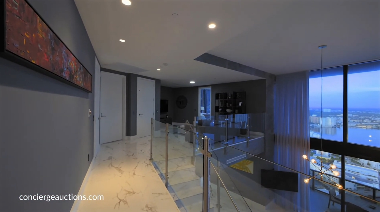 High-End Home Interior Design Tour vs. 211 Town Line Road Barrie, ON - Sotheby's International Realty Canada