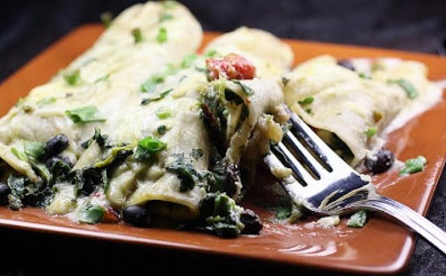 Black Bean and Spinach Enchiladas #vegetarian #dinner