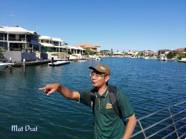 Mandurah Dolphin Watching Cruise