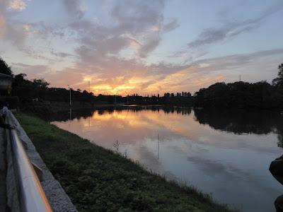 花博記念公園鶴見緑地 夕焼け空
