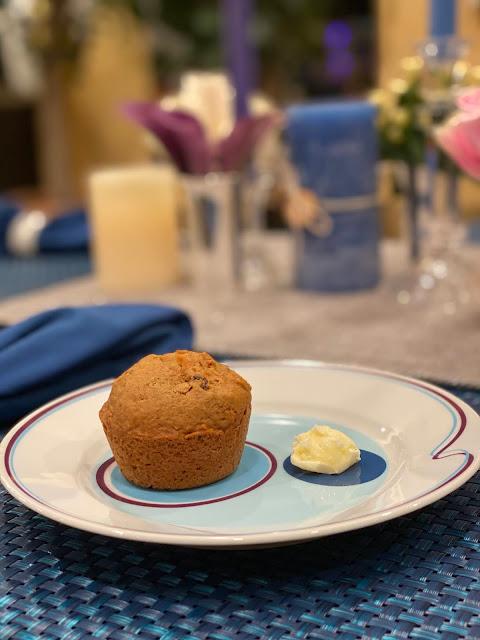 Carrot Raisin Muffin Served Up on Livliga