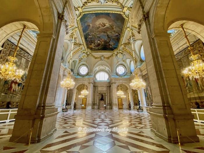 Salon de Columunas マドリード王宮の歴史ある列柱の間