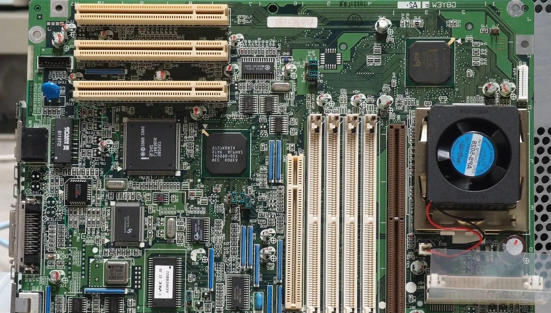 ekspansi slot pada komputer