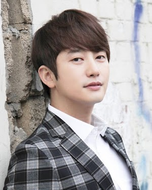 Park Shi Hoo Comeback dan Bintangi Drama OCN 'Neighborhood's Hero'