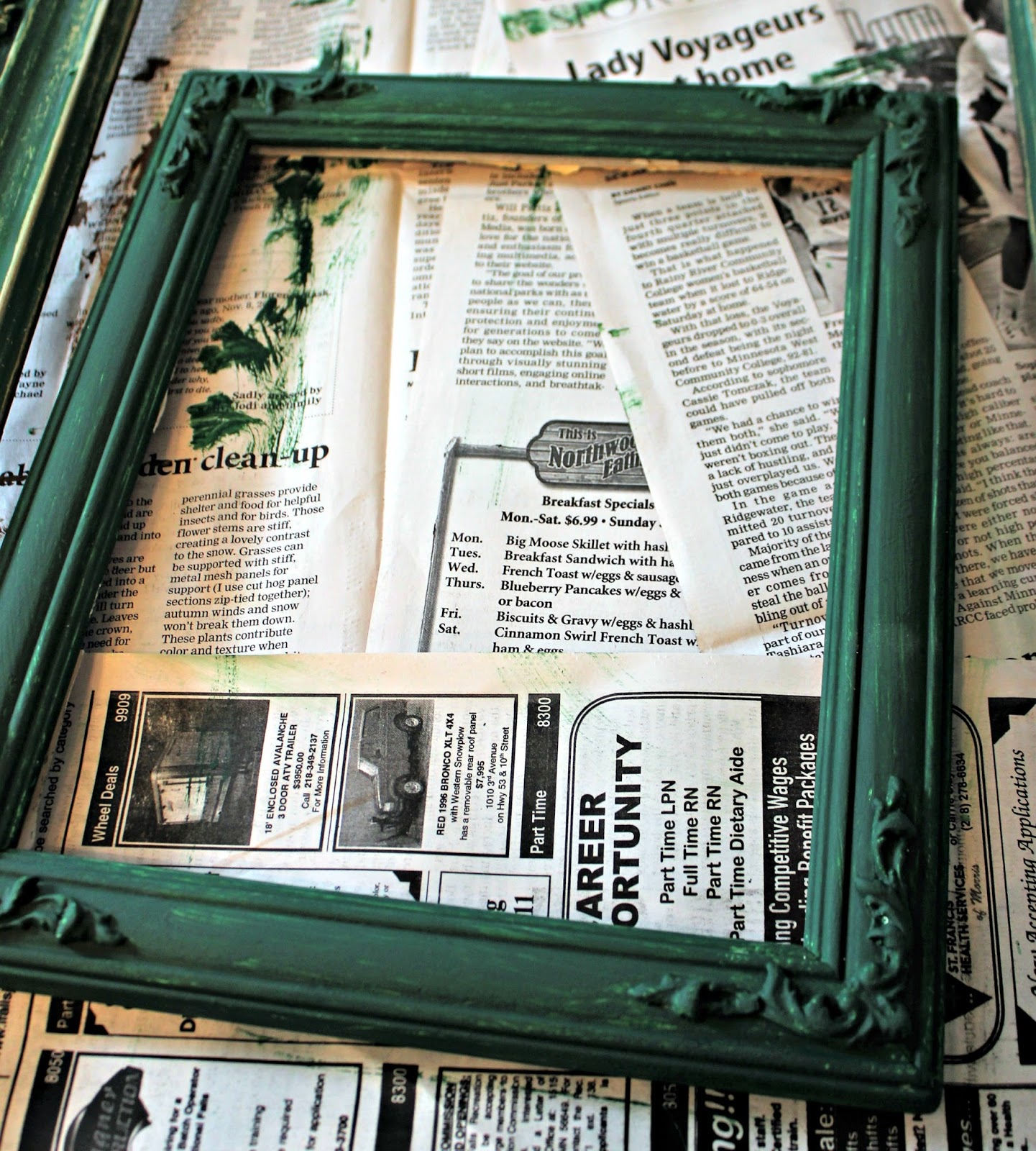 Repurposed Thrift Shop Picture Frame Christmas Tree   Organized Clutter