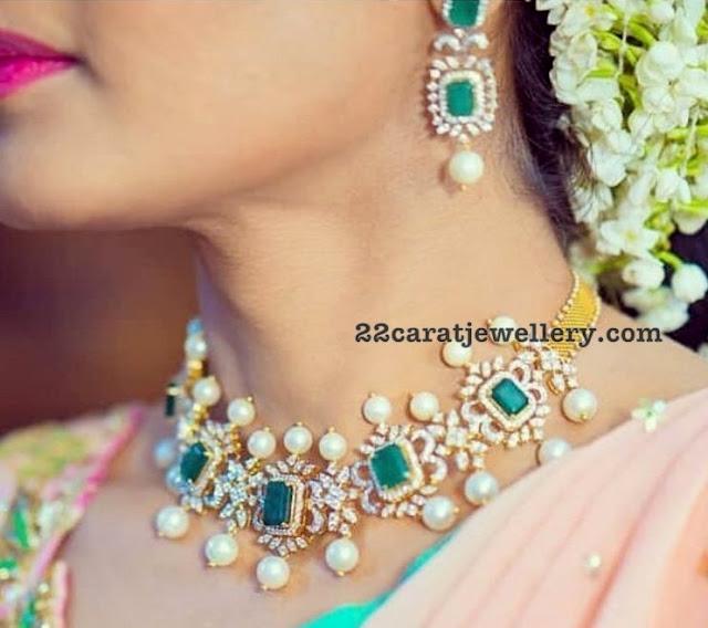 Pretty Diamond Choker with Square Shaped Emeralds