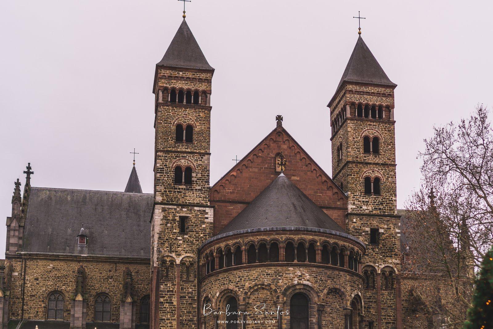 St. Servatius at Vrijthof Square - Maastricht - NL - Travel.