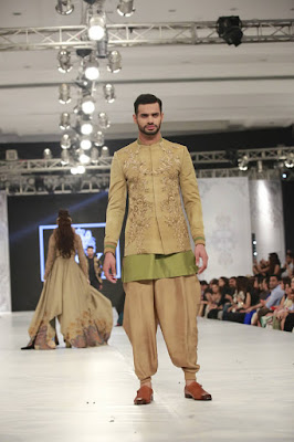 Hsy-kingdom-bridal-wear-dresses-collection-at-plbw-2016-14