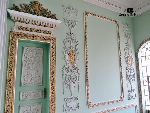 Palacete Violeta (adornos de portas e paredes piso superior)