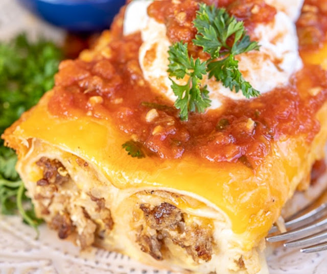 OVERNIGHT BREAKFAST BURRITO CASSEROLE RECIPE