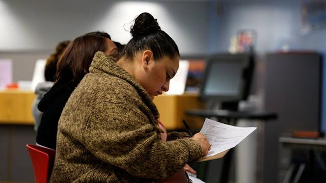 ΗΠΑ: Σε χαμηλό 49 ετών η ανεργία