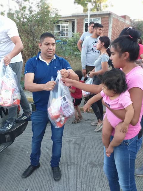 Paco Cedillo entrega 6 mil despensas a personas de escasos recursos en Uruapan