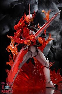 S.H. Figuarts Kamen Rider Saber Brave Dragon 02