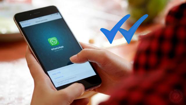 Riscos azuis no WhatsApp