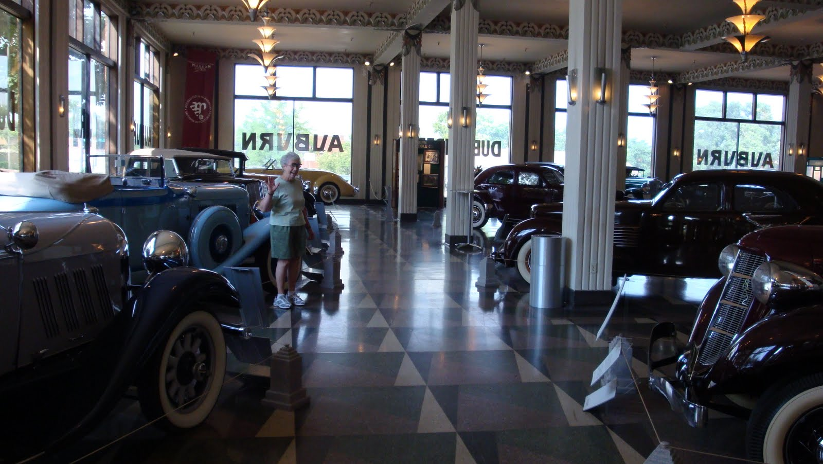 auburn cord duesenberg automobile museum lauer 39 s been there done that u s travel spots. Black Bedroom Furniture Sets. Home Design Ideas