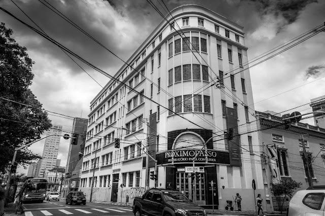 Edifício localizado na Rua Xv de Novembro, 904, Curitiba
