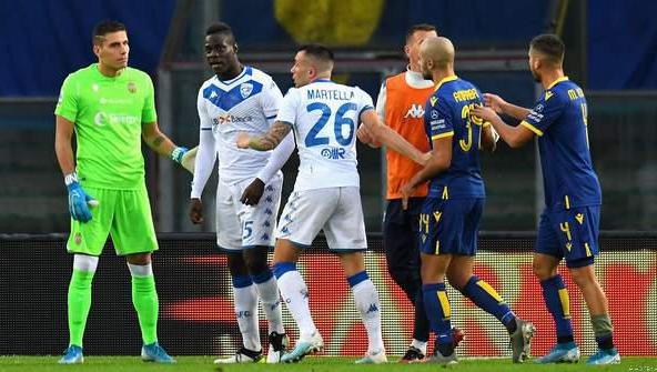 Balotelli Slams Racist Abuse - 'Shame On You'