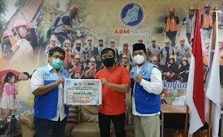 Alumni IPB Angkatan 32 Juara Serahkan Donasi Melalui ARM