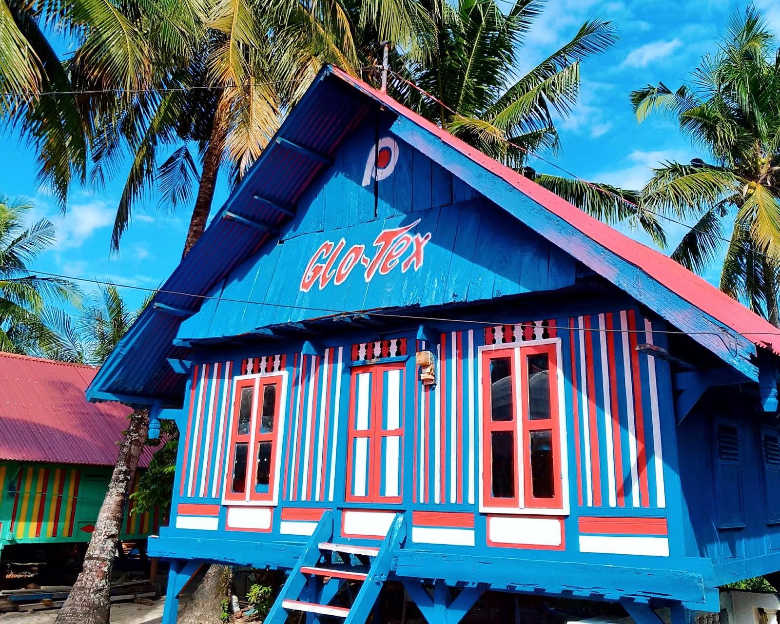 5 Pilihan Warna Cat Rumah Kayu Kampung Unik Artistik Bang Izal Toy