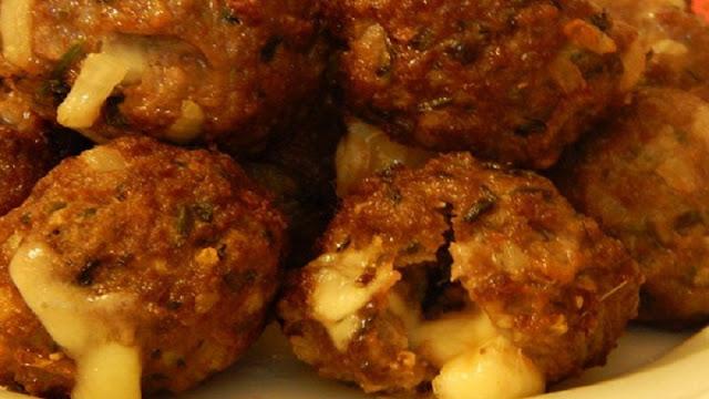 Almôndegas à milanesa recheadas com queijo (Imagens: Reprodução/Receitas Que Amo)