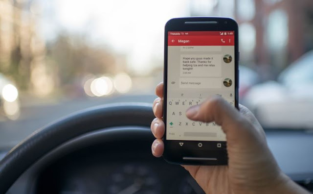 smartphone dangerous driving text drive illegal