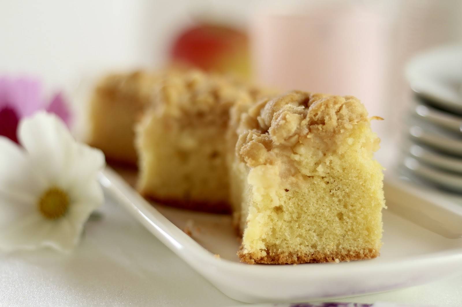 Apfelkuchen - saftig und säuerlich und mit Zimtstreuseln