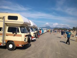 """Com o tema """"Kombi na garagem na conta história"""",  3º Kombitour  fez sucesso no feriado da Ilha"""