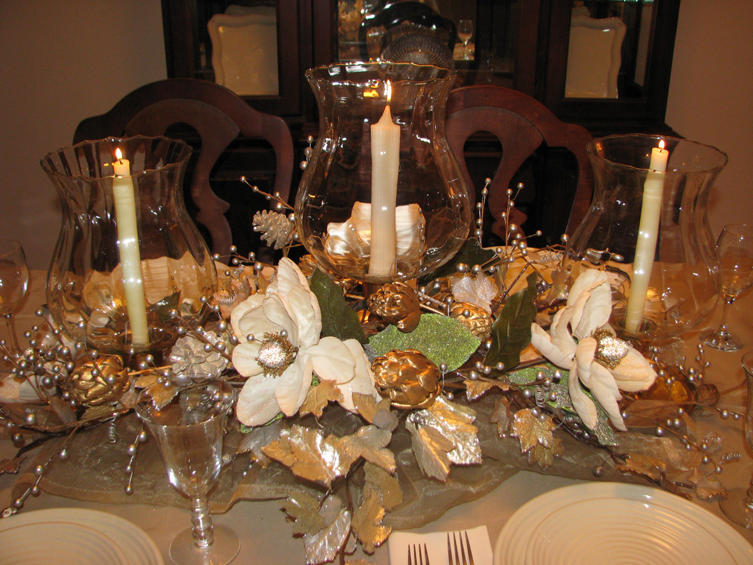 Jbigg Life In Kentucky Gold And Silver Tablescape