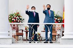 Jokowi dan Phạm Minh Chính Gelar Pertemuan Bilateral Bahas Hubungan Indonesia - Vietnam