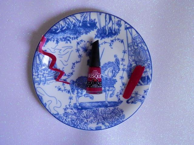 Swatche: Esmalte Babados e Bolinhas da Risqué (coleção Minnie)