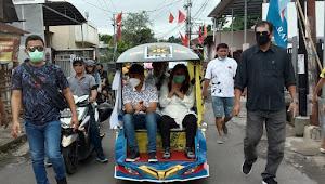 Program Bantuan 10 Juta Jadi Primadona, Cawali SSK Naik Bentor Datang Kampanye