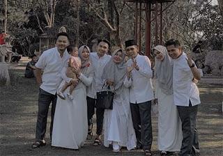 Billy Joe Ava dan Keluarga